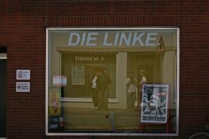 Linkes Parteibüro - und selfmade von uns dreien. ;)