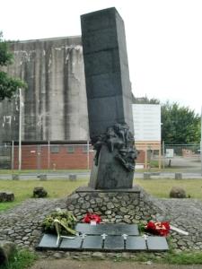 "Denkmal ""Tod durch Urlaub"""