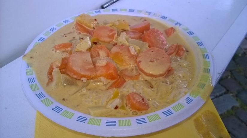 Curry-Kokos-Pfanne Auch diese wirklich sehr lecker. Allerdings fehlte uns hier Chillie. ;) Aber bei uns darf es eh immer etwas schärfer sein.