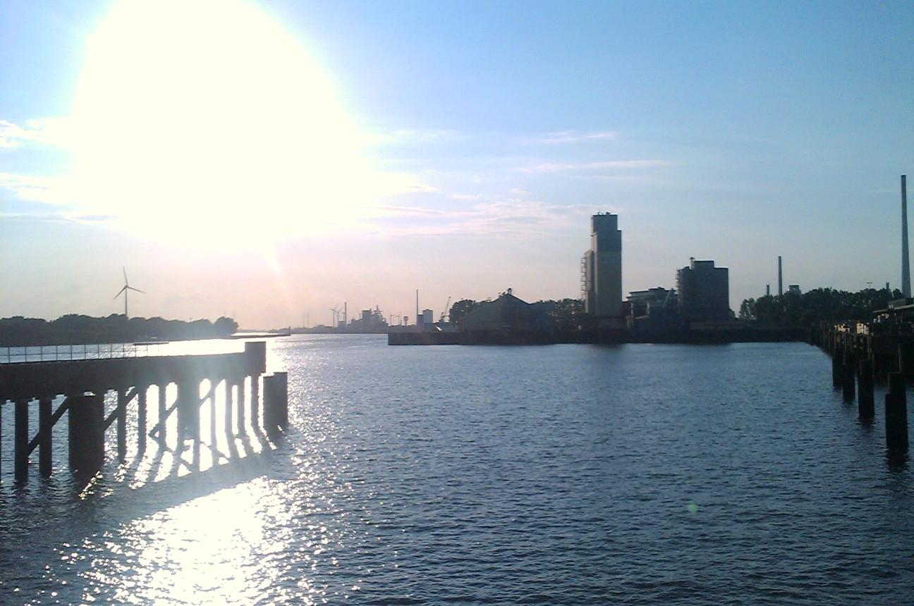 Bremen-309 (Waterfront)